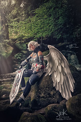 Fotocon 2017: Yosuii Cosplay as Kamael from Lineage II, by SpirosK photography (SpirosK photography) Tags: fotocon2017 yosuiicosplay kamael lineageii spiroskphotography lineage2 fotoconbytechland fotoconbytechland2017 angel wing onewing sword fighter forest waterfalls trees wodospadpodgórnej portrait sitting