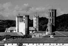 Pamiers, la ville aux trois clochers (Ariège) (PierreG_09) Tags: pamiers ariège occitanie midipyrénées ville clocher église saintantonin cathédrale camp couvent cordeliers conversion bw nb