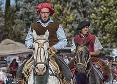 Jineteada (Marina-Inamar) Tags: gaucho duo pareja zarate argentina buenosaires caballos gorras muchachos hombres barones jinetes jineteada campo