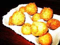 LES CONTREBANDIERS, PAU, COD BALLS 002 (smtfhw) Tags: 2018 pau france sightseeing travel pyrénéesatlantiques bars ledcontrebandiers drinks wines aperitifs