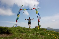 IMG_5811 (Marcia dei Tori) Tags: 2018 montespigolino italy skyrun marciadeitori mdt2018 caicarpi appennino appenninomodenese januacoeli paololottini running mountain italia emiliaromagna run sky flag tibetanflag