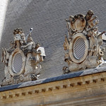 Roof sculptures of Les Invalides thumbnail