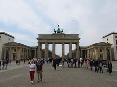 Brandenburger Tor, Berlin (Stewie1980) Tags: berlin mitte deutschland germany allemagne pariser platz brandenburger tor gate east