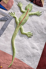 Road Trip: Lizard on the Largest Concrete Totem Pole (DTA_6707) (masinka) Tags: chelsea oklahoma unitedstates foyil ok roadtrip route 66 motherroad 2013 travel photography etbtsy danielnovakphoto art lizard detail totem pole closeup ed galloway texture colors