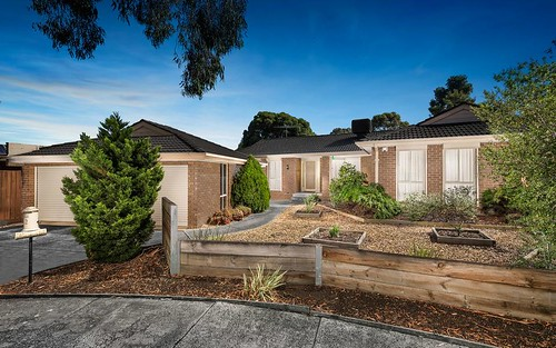 2 Wakeful Pl, Mill Park VIC 3082