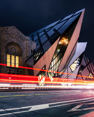 Night at the Museum (Brady Baker) Tags: toronto canada ontario rom royal museum night city cityscape crystal icon architecture structure alien otherworldly moving lights traffic motion speed street light streak