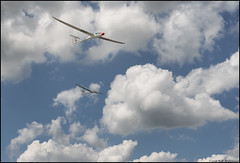 A finish at the Sailplane Grand Prix in France (Rob Millenaar) Tags: france gliderflying gliders glider js1 soaring
