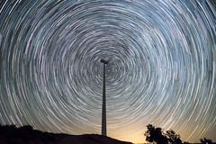 + Circumpolar (Jesus DTT) Tags: aerogenerador parqueeólico malagón laspovedillas víaláctea milkyway estrellas stars nocturna noche cielo sky astrofotografía circumpolar startrails windturbine energíaeólica
