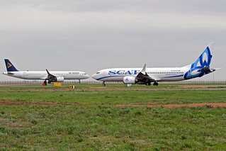 SCAT Airlines Boeing 737-8 MAX UP-B3720 & Air Astana A321-271N P4-KDC TSE 25-05-18