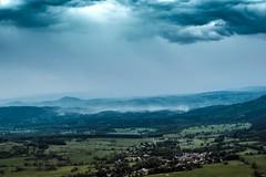 La Brume (TristanLohengrin) Tags: paysage landscape mist brouillard brume ciel sky ville city clouds nuages montagne mountain nikon d5300 champ field green blue