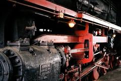 Henschel steam locomotive, 1941 (film) (mkk707) Tags: film analog wwwmeinfilmlabde leicam3 summicronm50mmdr fujifilmsuperiaxtra800 35mmfilm itsaleica germancameras vintagelens vintagefilmcamera eisenbahnmuseum kranichstein darmstadt
