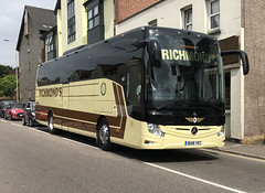 Richmond 's Coaches . Barley , Royston , Hertfordshire . BU18YRZ . Stansted Road , Bishop's Stortford , Hertfordshire . Friday 08th-June-2018 . (AndrewHA's) Tags: bishopsstortford hertfordshire coach bus mercedesbenz tourismo richmonds barley royston bu18yrz