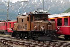 Rhätische Bahn RhB Lokomotive Ge 6/6 I 414 ( Rhätisches Krokodil - Baujahr 1929 - Hersteller SLM Nr. 3297 - BBC MFO - Elektrolokomotive Triebfahrzeug ) am Bahnhof Pontresina im Engadin im Kanton Graubünden - Grischun der Schweiz (chrchr_75) Tags: albumzzz201806juni juni 2018 hurni christoph schweiz suisse switzerland svizzera suissa swiss chrchr chrchr75 chrigu chriguhurni chriguhurnibluemailch zug train juna zoug trainen tog tren поезд lokomotive паровоз locomotora lok lokomotiv locomotief locomotiva locomotive eisenbahn railway rautatie chemin de fer ferrovia 鉄道 spoorweg железнодорожный centralstation ferroviaria kanton graubünden grischun rhb rhätische bahn bahnen meterspur schmalspur bergbahn retica viafier kantongraubünden albumbahnenderschweiz albumbahnenderschweiz20180106schweizer treno fest eisenbahnfest festival 10 jahre unesco welterbe
