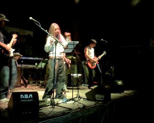 RETROVIA 🎸 #rock #hardrock @sarared #musica 🎥#elettritv💻📲 #festadell'unita' #concerti #sottosuolo #2003 #live #underground 🎵 #musicaoriginale #webtv 🔊 #music #dalvivo 🙌 #fianoromano #ti