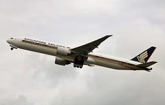 9V-SWG Boeing 777-312ER 34572/604 Singapore Airlines (howtrans38) Tags: 9vswg boeing 777 singapore airlines