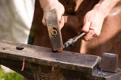 Iron Wolf Forge (Pahz) Tags: blacksmith ironwolfforge kennelson ironwork nails forging iron janesvillerenaissancefaire janesvillewi traxlerpark renaissancefaire renfaire renaissancefairephotographer pattysmithjrf jvl wisconsin