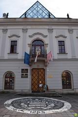 Town Hall (petrOlly) Tags: europe europa slovakia slovensko slowakei słowacja sk2018 banskábystrica architecture architektura building buildings city door doors