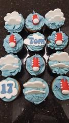 Aeroplane cupcakes (Victorious_Sponge) Tags: aeroplane plane cloud cupcakes boy birthday cake