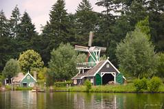 img_0070 (Jan van de Rijt) Tags: efteling canoneos50d 1785mm windmill boat water canonefs1785mmf456isusm