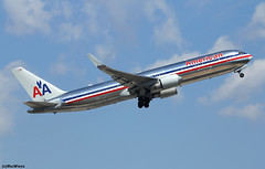 American Airlines Boeing 767-323(ER)(WL) N353AA / BCN (RuWe71) Tags: americanairlines aaaal american usa unitedstatesofamerica dallas boeing boeing767 b767 b763 b767300 b767300er boeing767300 boeing767300er boeing767323 boeing767323er boeing767323erwl n353aa cn24034206 barcelonaelpratairport barcelonaelprat elpratairport elpratdellobregat aeropuertodebarcelona bcn lebl widebody twinjet winglets sunshine clouds