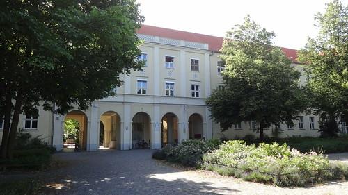 große querallee 10557 berlin