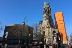 Berlín_0379 (Joanbrebo) Tags: berlin alemania de kaiserwilhelmgedächtniskirche church esglèsia iglesia eglise breitscheidplatz charlottenburg canoneos80d eosd efs1018mmf4556isstm autofocus cityscape arquitectura edificios edificis buildings