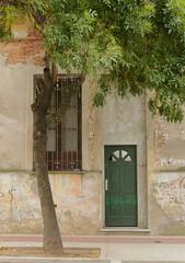 Verde fachada (Lady Smirnoff) Tags: arquitectura architecture fachada facade verde gre