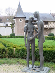 Quoi et où??? Adam et Eve (1945-1946), Robert Couturier, musée d'Art Moderne, Troyes (10) (Yvette G.) Tags: quelestcelieu musée muséedartmoderne troyes aube 10 champagne grandest adametève robertcouturier sculpture