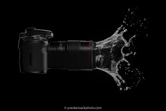 Canon Splash-O-Matic (Yves Kéroack) Tags: hautevitesse camera liquide studio highspeedphotography motion water arrièreplannoir mouvement liquid canon midair lévitation blackbackground