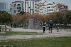 (San.Mart) Tags: roja parque esculturas de paseo providencia santiago amor pareja