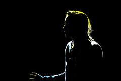 Lumière contre-nuit (Pi-F) Tags: lumière femme profil ombre contrejour contraste