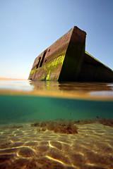 Les vestiges de l'Histoire aux milieux des eaux ... (Clement Philippon) Tags: blockhaus cap ferret plage ocean clement philippon