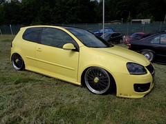 VW Golf 5 (911gt2rs) Tags: treffen meeting show event tuning tief low stance slammed mk5 v gti pirelli dub custom airride fahrwerk airlift bbs felgen wheels rims gelb yellow