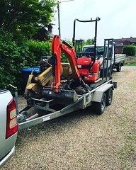 "Love the fact the Vermeer stump grinder and the digger fit in one trip. Great tag team for awkward stump jobs! #wardenstreecare <a style=""margin-left:10px; font-size:0.8em;"" href=""http://www.flickr.com/photos/137723818@N08/42646030061/"" target=""_blank"">@flickr</a>"
