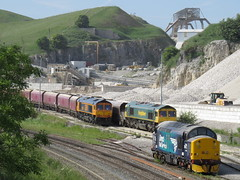Colourful Combo at Dove Holes 07/06/2018 (37686) Tags: 37716 66613 66781 ex dbs all go about there business dh sidings