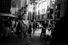 Sydney street  #433 (lynnb's snaps) Tags: jchstreetpan400 qvb sydney city film street winter woman fomadonlqndeveloper australia 2017 cv35mmf25colorskoparltm leicaiiic leicafilmphotography georgest townhall bw blackandwhite bianconegro bianconero biancoenero blackwhite blancoynegro noiretblanc schwarzweis monochrome ishootfilm ©copyrightlynnburdekinallrightsreserved rangefinder barnack filmfilmforever