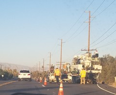 June 17, 2018 (2) (gaymay) Tags: california desert gay love palmsprings riversidecounty coachellavalley sonorandesert applebees restaurant cathedralcity roadwork construction workers