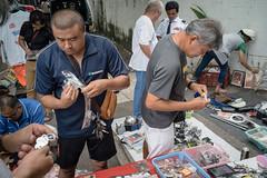 * (Sakulchai Sikitikul) Tags: street snap streetphotography summicron songkhla sony a7s 35mm leica thailand fleamarket