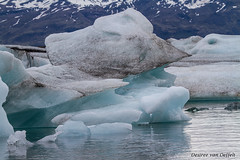Cooling down (Desireevo) Tags: iceland ice ijsland ijs island islands landscape landschaft landscapes glacier glaciers mountain mountains jokulsarlon water lake lakes nature outdoors desireevanoeffelt holiday summer cold blue