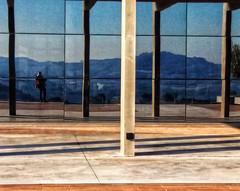 reflexos (jakza - Jaque Zattera) Tags: vidro vidraça reflexo edição linhas