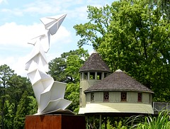 Sculpture with Treehouse (pjpink) Tags: origami sculpture lewisginterbotanicalgarden lewisginterbotanicalgardens lewisginter gardens northside rva richmond virginia june 2018 summer pjpink 2catswithcameras