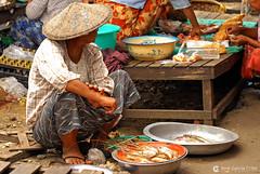 11-10-04 01 Myanmar (51) O01 (Nikobo3) Tags: asia myanmar birmania burma mandalay culturas color people gentes portraits retratos mercados markets social travel viajes nikon nikond200 d200 nikon7020028vrii nikobo joségarcíacobo
