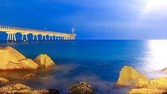 Pont del Petroli - Under the moonlight (Fnikos) Tags: sea water mar mare wave rock bridge pont puente construction sky skyline moon moonlight outdoor