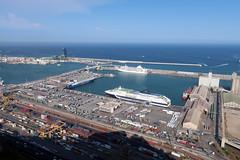Puerto (Daquella manera) Tags: barcelona barna puerto port mar sea mediterranean container containers contenedores crucero cruise