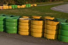 Zelene i žute gume (100D3100_9012) (Janko Hoener) Tags: pula pola hrvatska croazia kroatien istria istrien istra reifen pneumatico guma