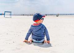 Beach BOY (freundsport) Tags: baby child children flickr new free familie family boy kids junge light people sun sunny sonne sonnenschein strand beach street kinder magic outside outdoor chillout childhood sony7m3 sony7iii sony smile love lovely photography childish youngsters cute sweet colour chill home zeiss germany nordsee langeoog dof pretty detail sunset sunlight