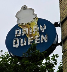 Dairy Queen, Duluth, MN (Robby Virus) Tags: duluth minnesota mn dairy queen grill chill neon sign signage ice cream