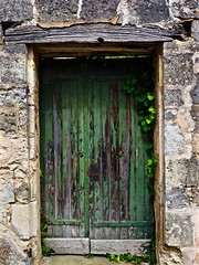 The Green Door of St. Emilion (Professor Bop) Tags: professorbop drjazz olympusem1 stemilion france door green decay peelingpaint stone village