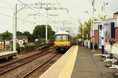 DCL1-41 EMU arrival of 365-525 at Linlithgow (timonrose1) Tags: happytrain emu linlithgow westlothian edinburghglasgowrailway scotrail class365emu