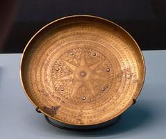 L1070688 (H Sinica) Tags: hongkonghistorymuseum britishmuseum assyrian bowl copper iraq nimrud